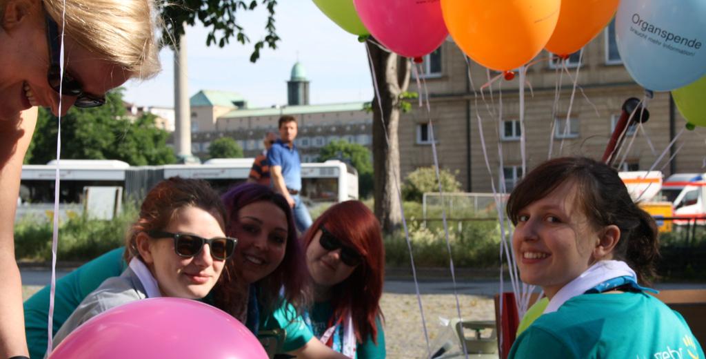 299 Luftballons am Tag der Organspende__3